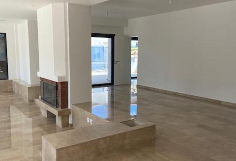5 bedroom fully renovated house for rent